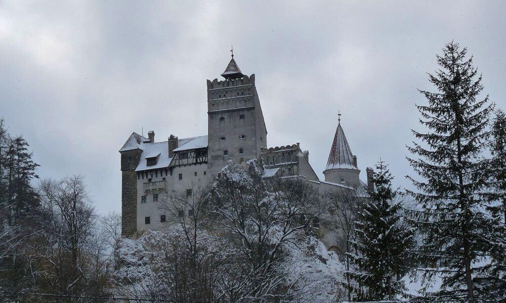 Kết quả hình ảnh cho castillo de dracula rumania